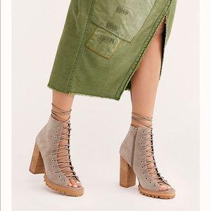 Jeffery Campbell Tan lace up heels, fun! 6 1/2
